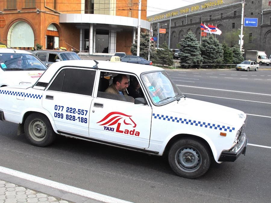 taking a taxi in yerevan