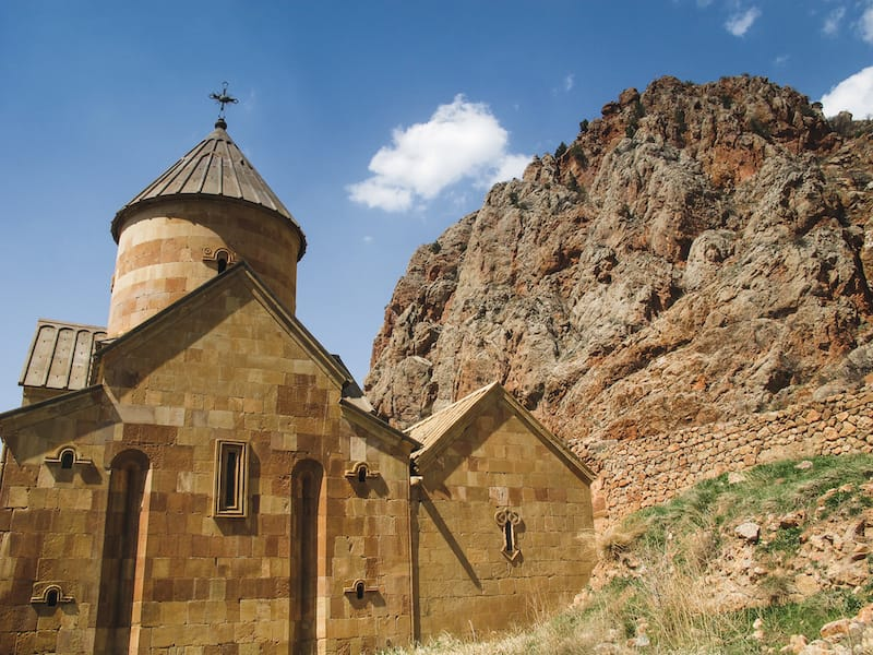 How to Easily Get From Yerevan to Khor Virap Monastery (taxi, bus, rental car, and khor virap tour options)