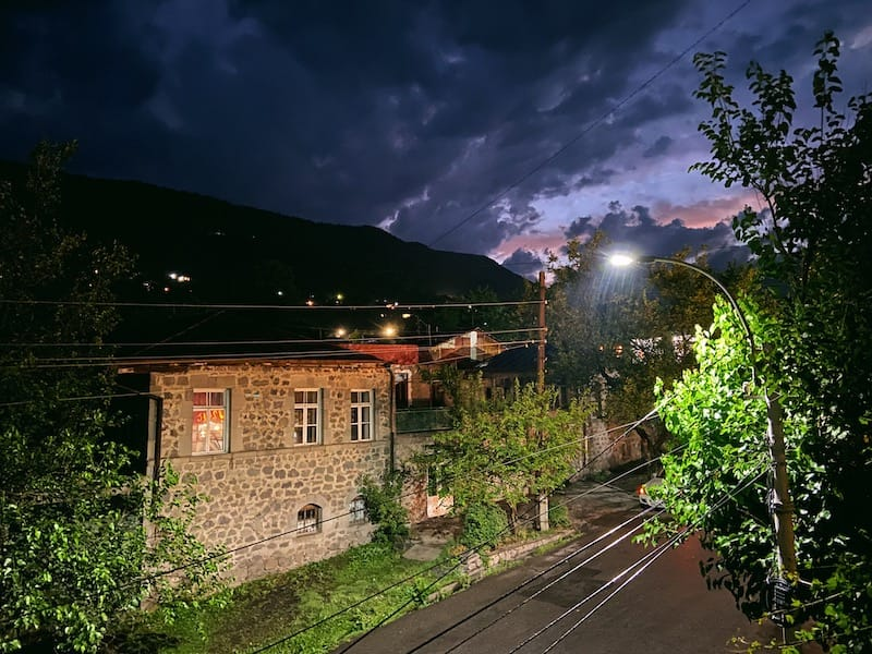Hotel Mirhav in Goris: back gardens