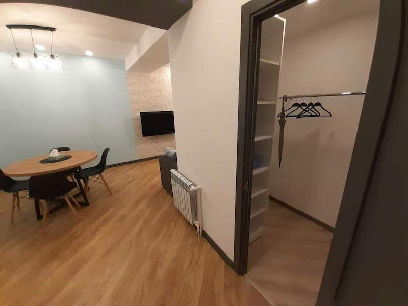 Cozy, 2-bedroom Apartment near Republic Square