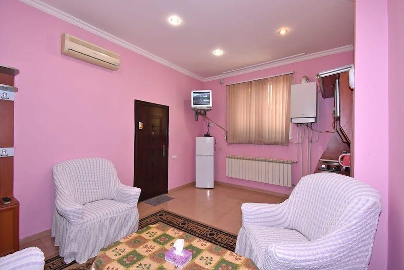 RetroCity Apartment on Saryan Street