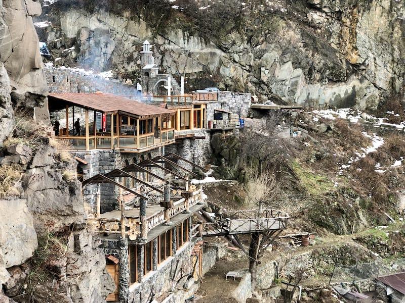 Mendz Er Cave