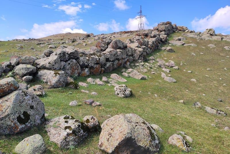 Around Horom Citadel via By Գարվիք - Own work, CC BY-SA 4.0