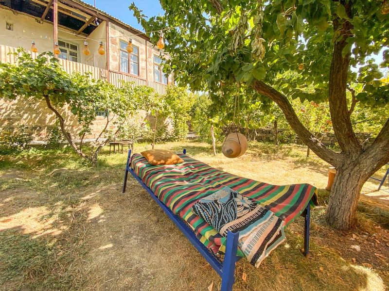 Noosh Guesthouse making Sasna Klulik