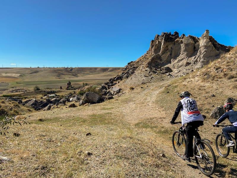 Hiking and Biking with Mamikon-2
